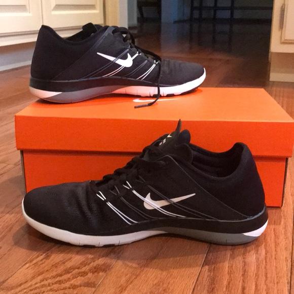 Nike Free TR6 size 8.5 NWT